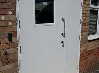 white door set